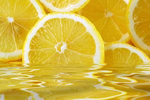 limone-succo Limone proprietà benefici dimagrante