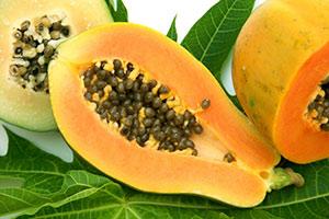 papaja-fette Papaya proprietà benefici controindicazioni